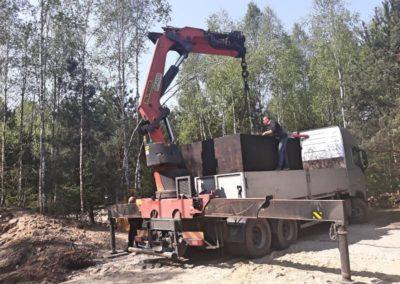 wyładunek zbiornika betonowego