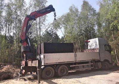 wyładunek szamba z ciężarówki 3