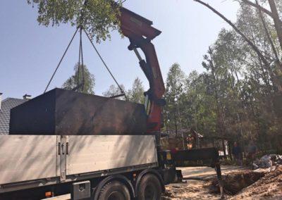 wyładunek szamba z ciężarówki 2